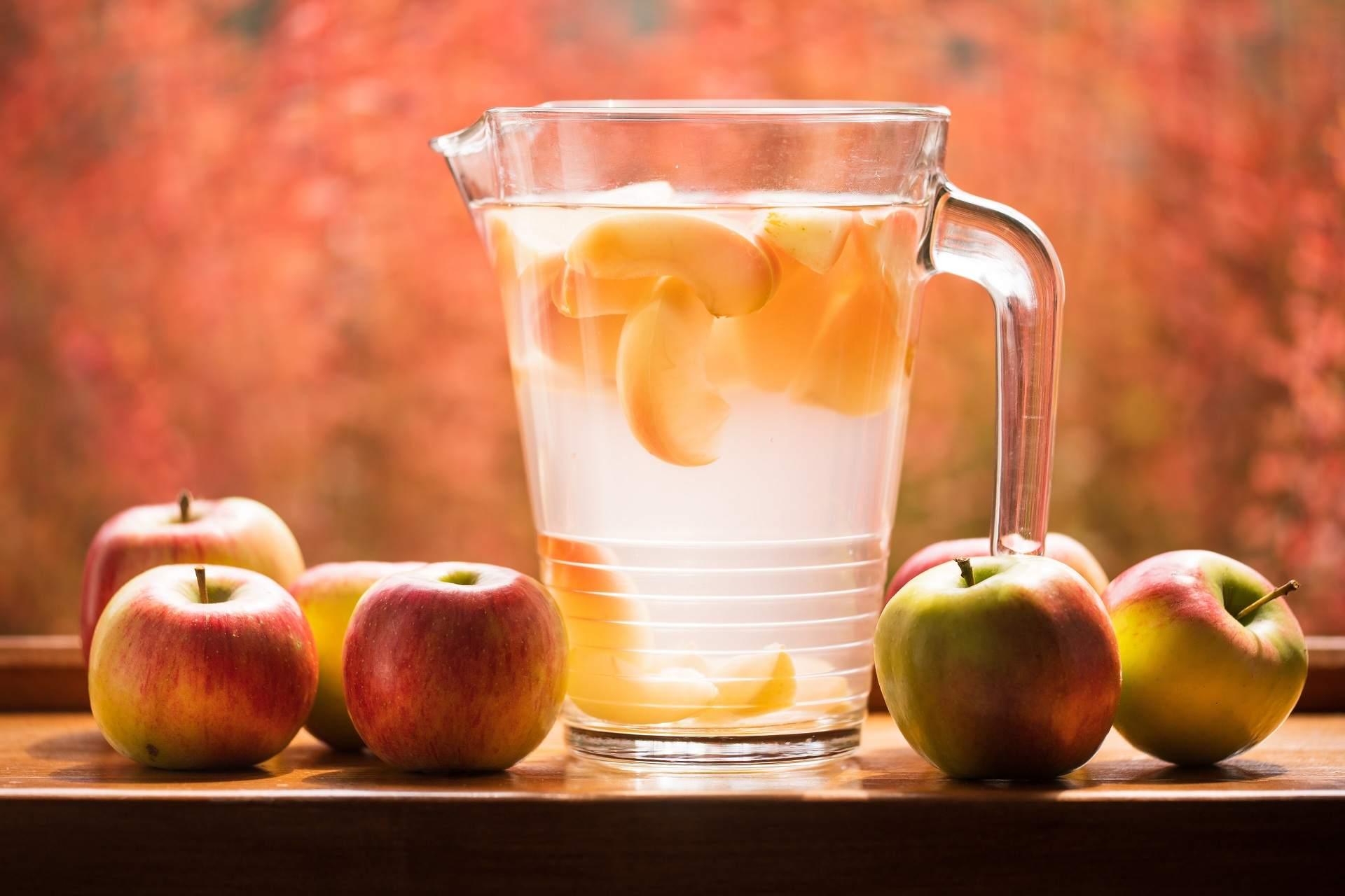 Cara Membuat Infused Water Yang Segar Untuk Menurunkan Berat Badan