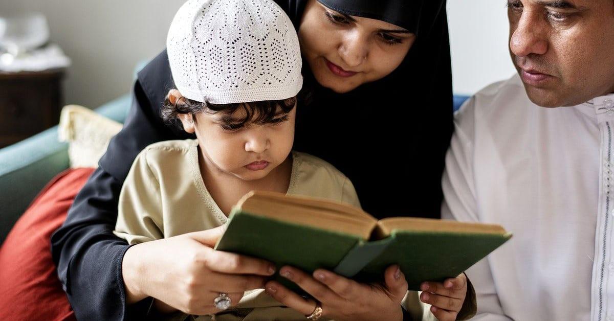 5 Pendidikan Akidah Islam Penting bagi Anak - Dunia Wanita
