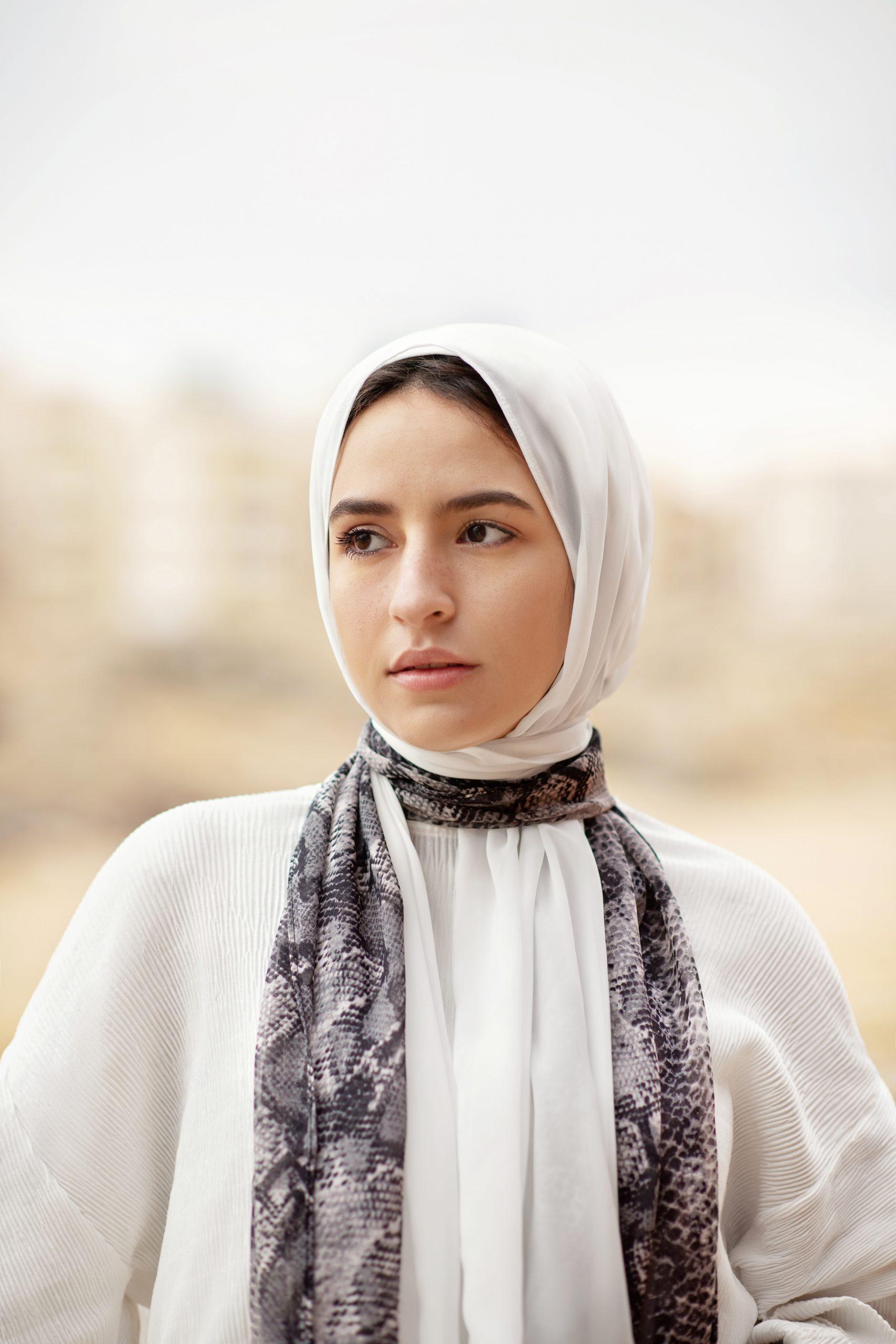 13 Sifat Wanita Muslimah Terbaik Yang Harus Diketahui - Dunia Wanita