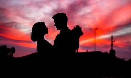 5 Sikap Lelaki yang Membuat Wanita Bahagia