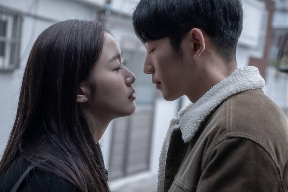 10 Rekomendasi Film Drama Korea Romantis Bikin Baper 17