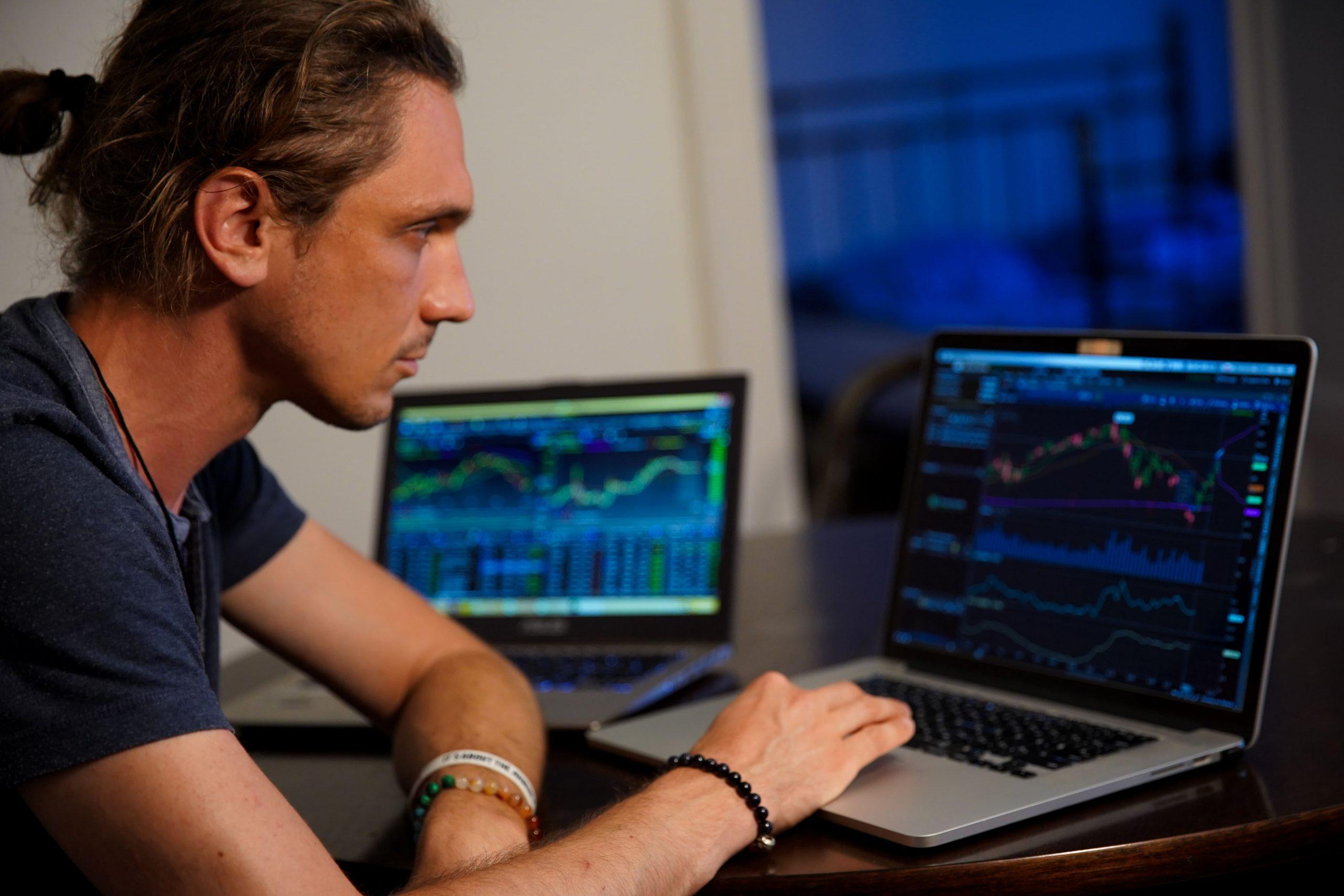 Apa Perbedaan Trading Forex dan Saham? 1
