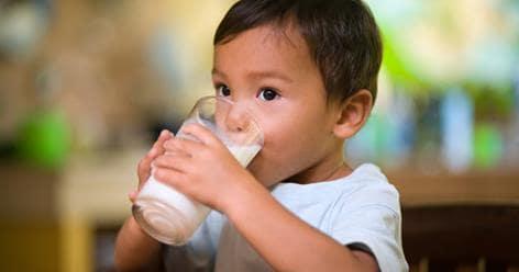 Ketahui 4 Tips Memilih Susu Cair Yang Baik Untuk Anak 1