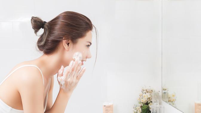 Rekomendasi 5 Produk Facial Wash Terbaik untuk Kulit Kering 2