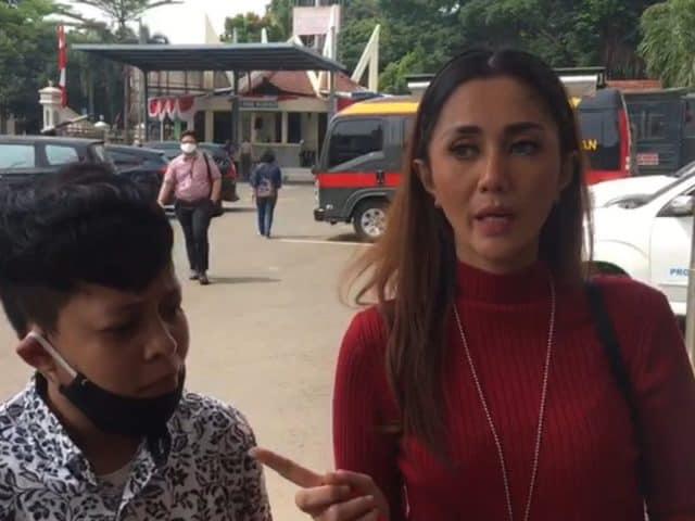 Aida Saskia Temani Sepupu Laporkan Penganiayaan ke Polres Metro Jaksel 2