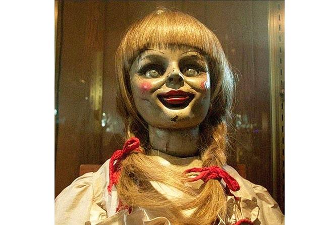 Tenang, Boneka Annabelle Tidak Kabur dari The Warren's Occult Museum 2