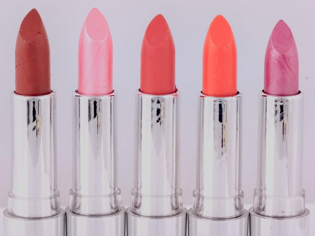 Cara Cepat Merubah Lipstik Matte Jadi Glossy yang Akan Membuat Penampilan Anda Lebih Menarik 2