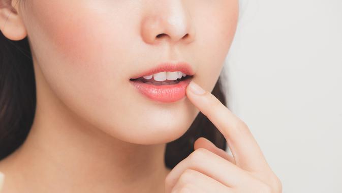 Alasan Mengapa Bibir Selalu Kering dan Pecah-Pecah 2