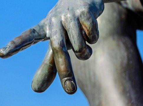 Rasa Nyeri di Jari Tangan Anda, Mungkin Ini Penyebabnya – FAJAR 2