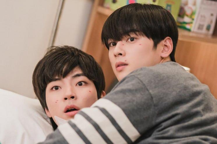 4 Momen Bromance Cha Eun Woo dan Hwang In Yeop di True Beauty 2