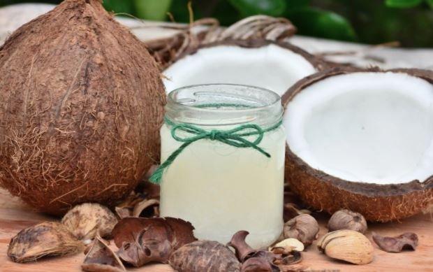 Manfaat Ajaib Minyak Kelapa yang Perlu Anda Ketahui – FAJAR 2