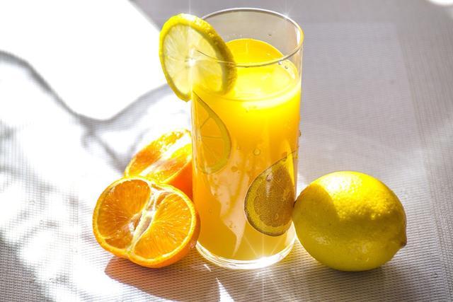 Delapan Manfaat Minum Air Jeruk Hangat di Pagi Hari – FAJAR 2