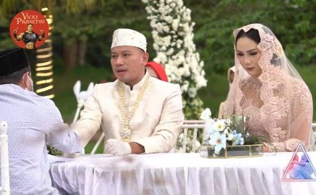 Vicky Prasetyo dan Kalina Ocktaranny Resmi Jadi Suami-Istri 2