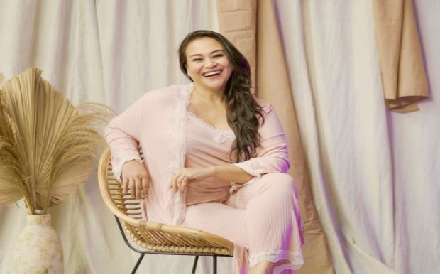 Zoya Amirin Beber Titik Kenikmatan yang Tidak Biasa – FAJAR 2